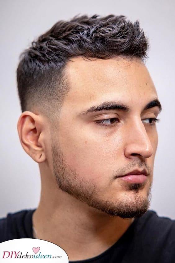 Probieren Sie etwas neues aus – Herren Frisuren für dünnes Haar