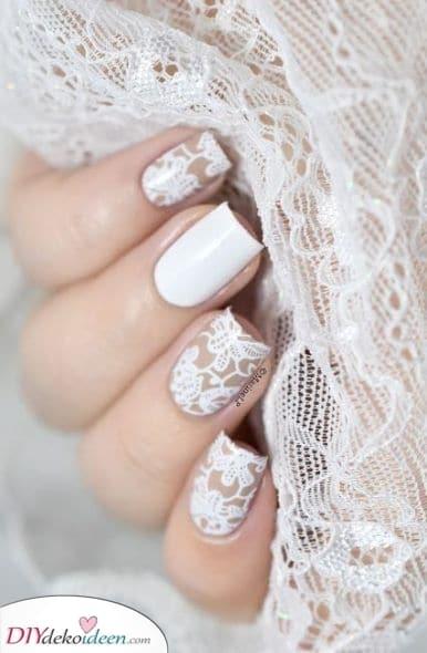 Elegant und abgeklärt – Schöne Ideen für deine Nägel