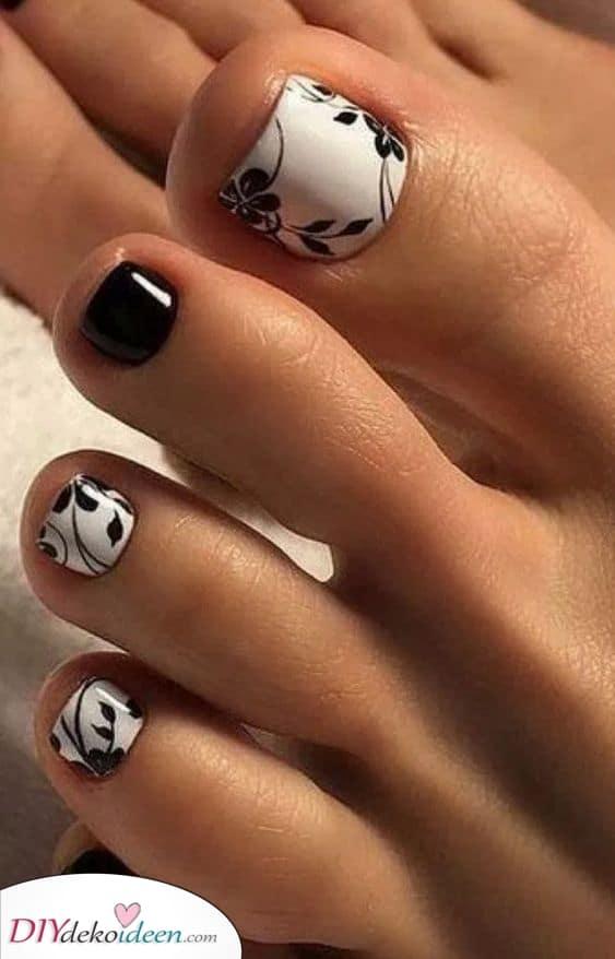 Modern in Monochrom – Fußnägel lackieren