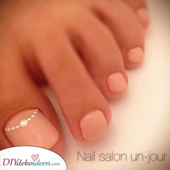 Hübsch in Pink die Fußnägel lackieren – Ein zeitloser Look