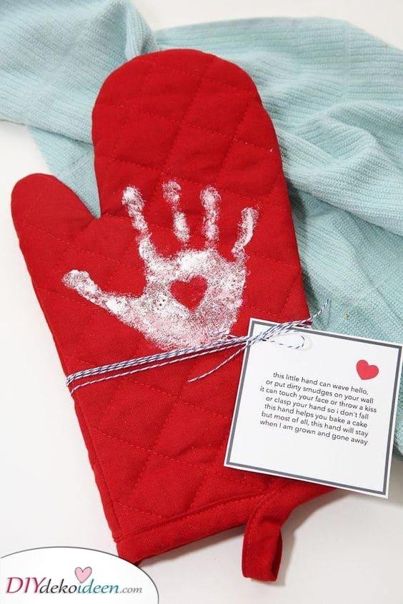 Der süßeste Fäustling – Geburtstagsgeschenke für Oma selber basteln
