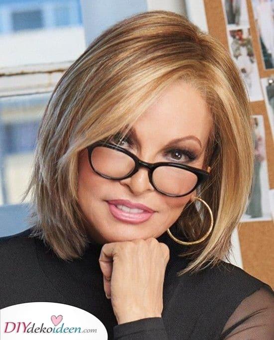 Schichten hinzufügen – Frisuren für Frauen ab 50 mit Brille