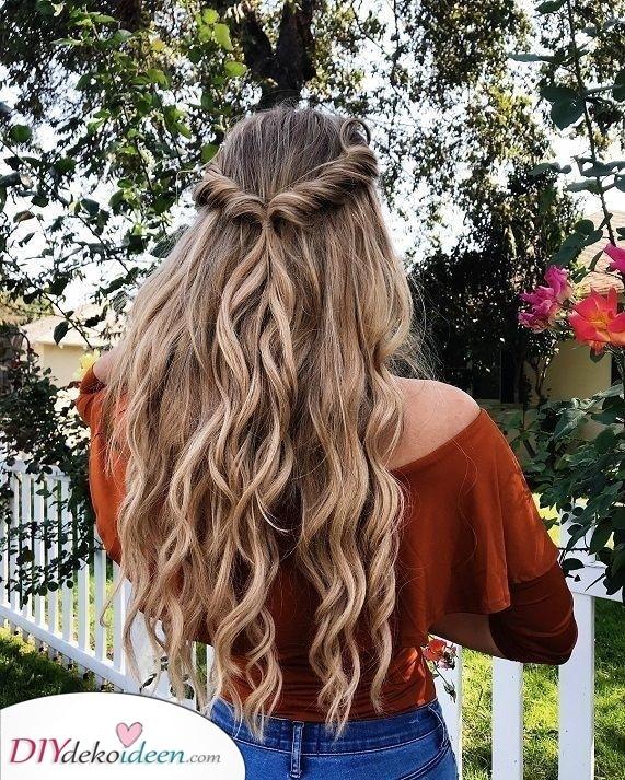 Wunderschöne Frisuren mit Naturlocken – Mal etwas anderes ausprobieren