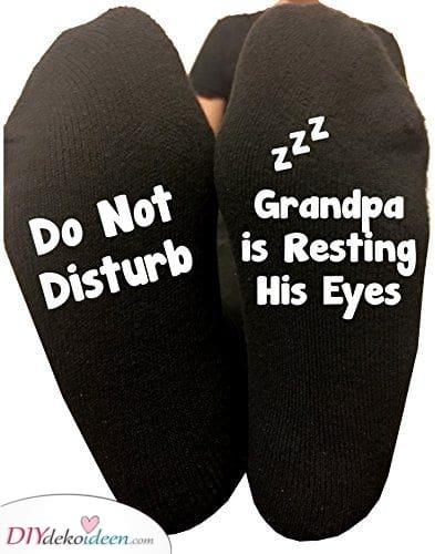 Lustige Socken für Opa – Zauber Ihm ein Lachen ins Gesicht