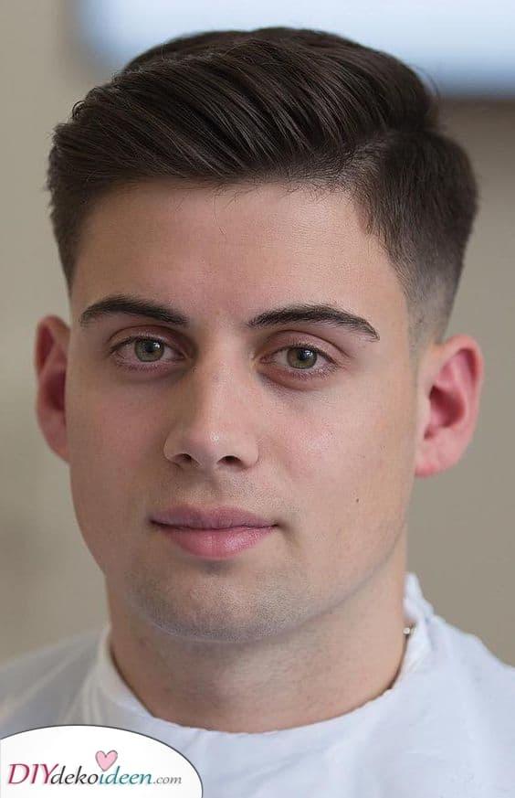 Auf eine Seite fegen – Männer Frisur für dünnes Haar