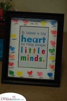 Fingerabdruck-Herzen – Ein einfaches Handwerk für Kinder
