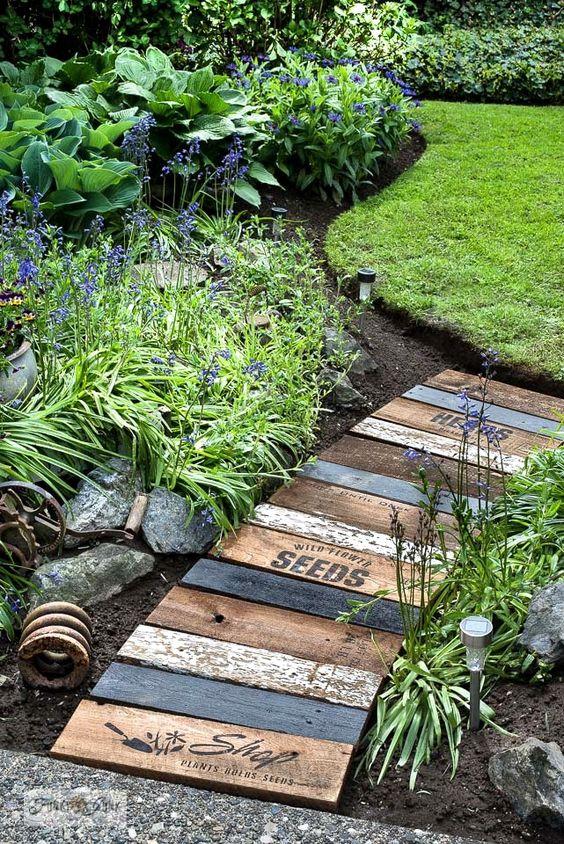 Verwenden Sie Altholz – Gartenweg Ideen