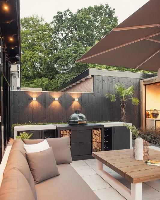 Schön in Schwarz – Ideen für einen Grillplatz im Garten