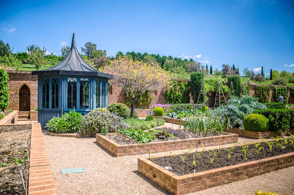 Brilliante Gartenhochbeet Ideen – So verschönern Sie Ihren Garten