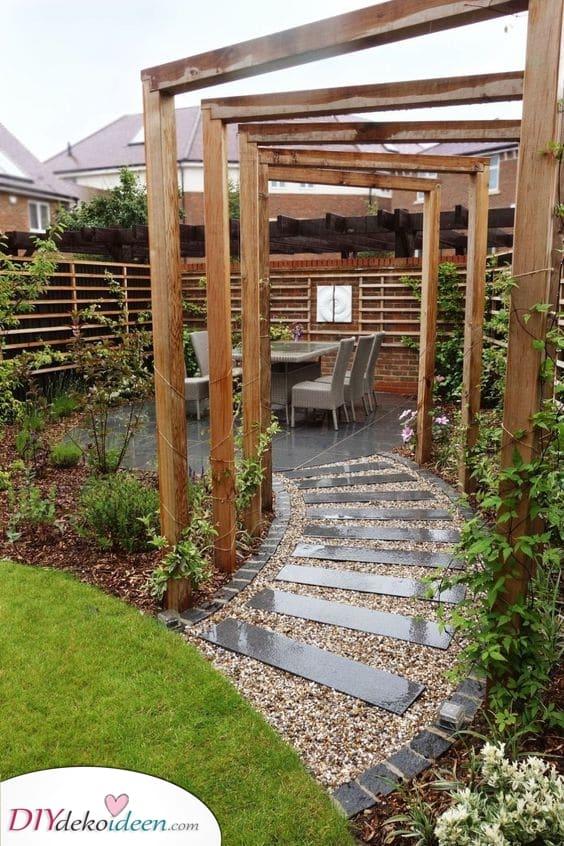 Mit Holz gefüllt – Kleinen Garten gestalten