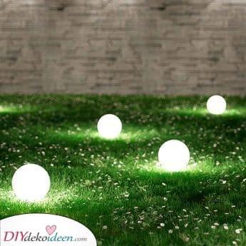 Eine tragbare Kugellampe – Außenbeleuchtung für den Garten