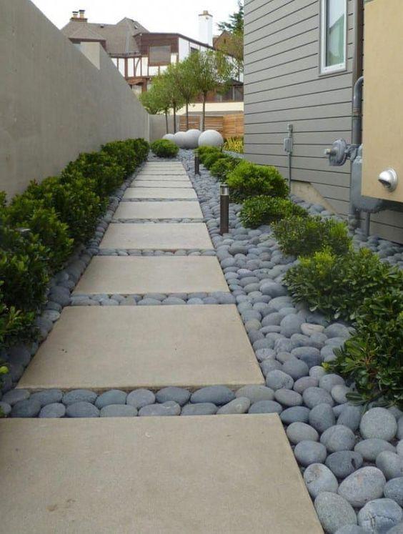 Vereinfachte Quadrate – Gartenwege gestalten