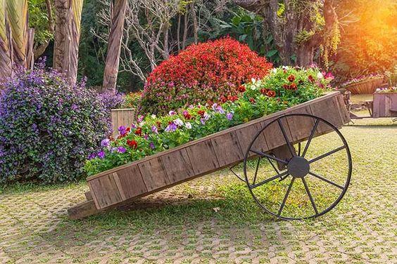 Ein Holzwagen – Etwas altem einen neuen Zweck geben
