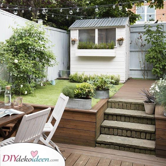 Bauen Sie ein Gartenhaus ein – Stauraum