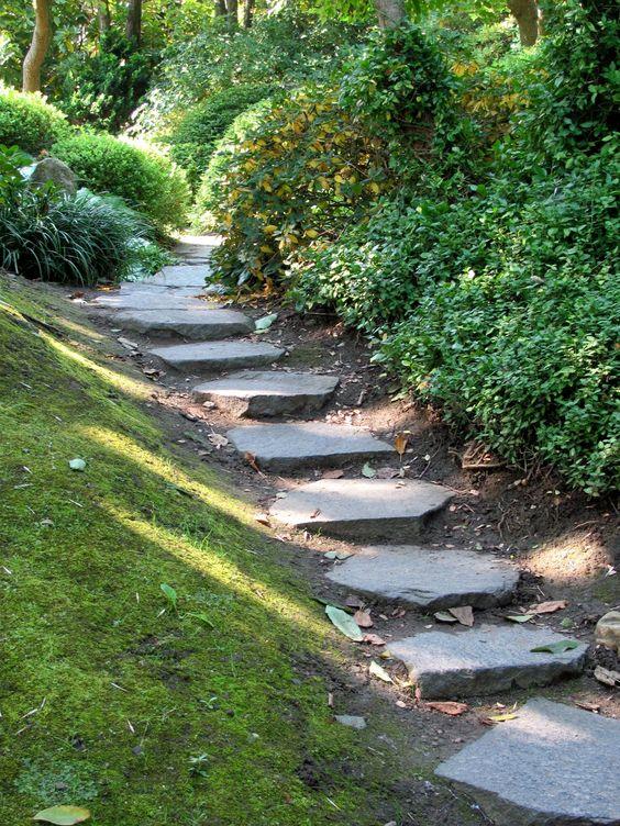 Eine Treppe – Harmonie im Garten