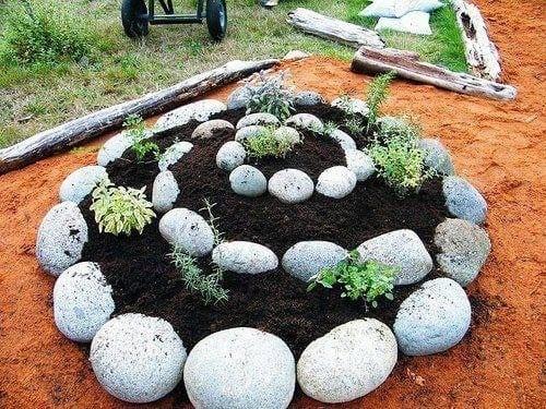 Eine Spirale aus Steinen – Unsere Ideen müssen Sie ausprobieren