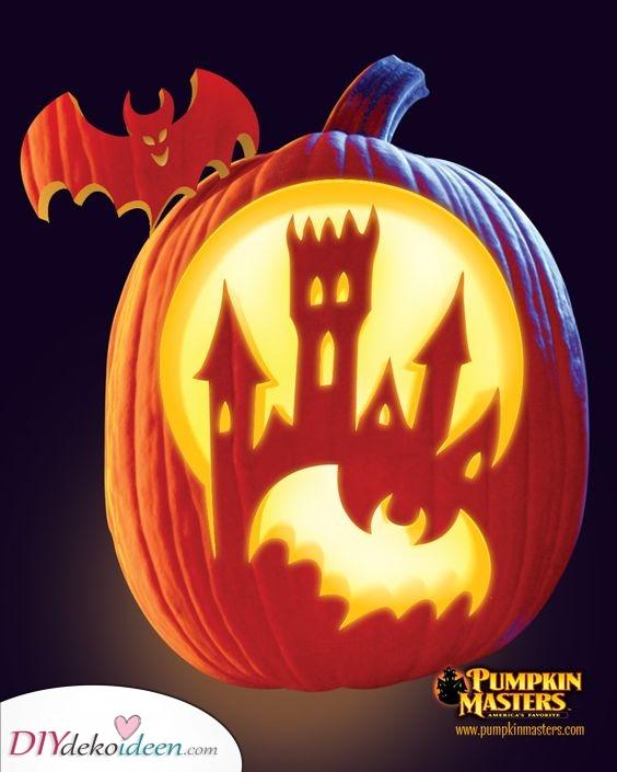 Ein Halloween Schloss – Ideen zum Kürbis Schnitzen