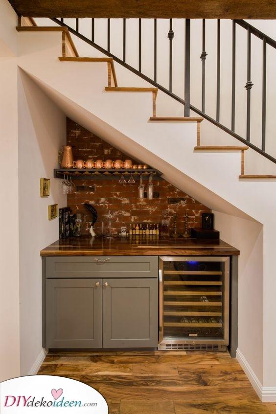 Eine Küche unter der Treppe – Einzigartig und kreativ