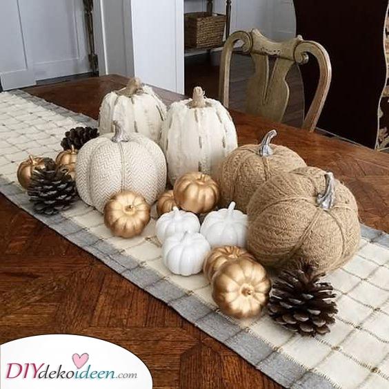 Tannenzapfen und Kürbisse – Halloween Dekoration mit Kürbis