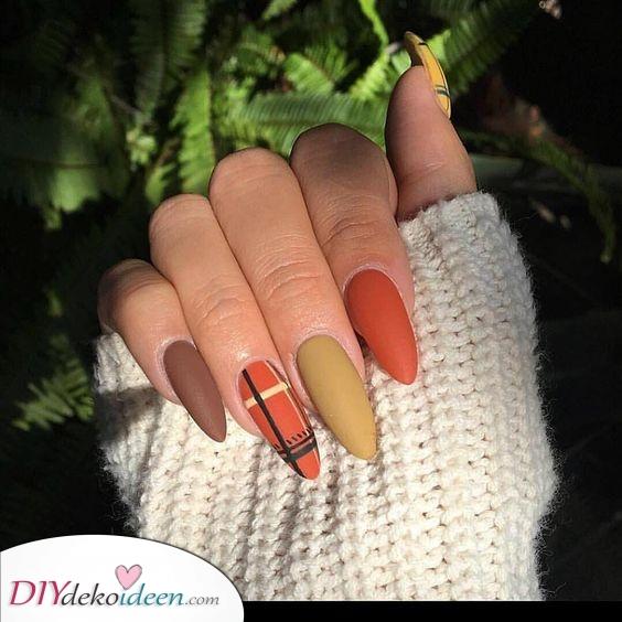 Auf einzigartige Weise kariert – Herbst Nägel Farben