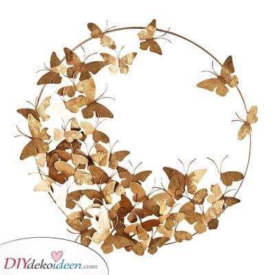 Eine Reihe goldener Schmetterlinge – Eine kreative Lösung