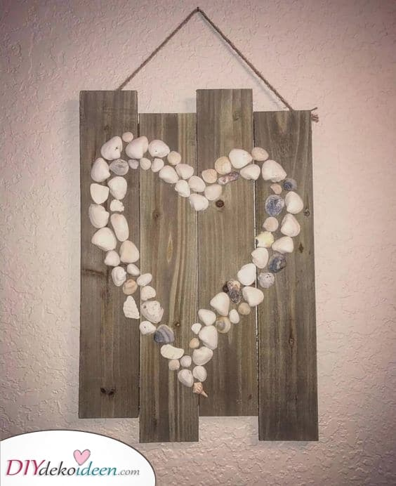 Muscheln und Steine – Hausgemachte Deko für Wände