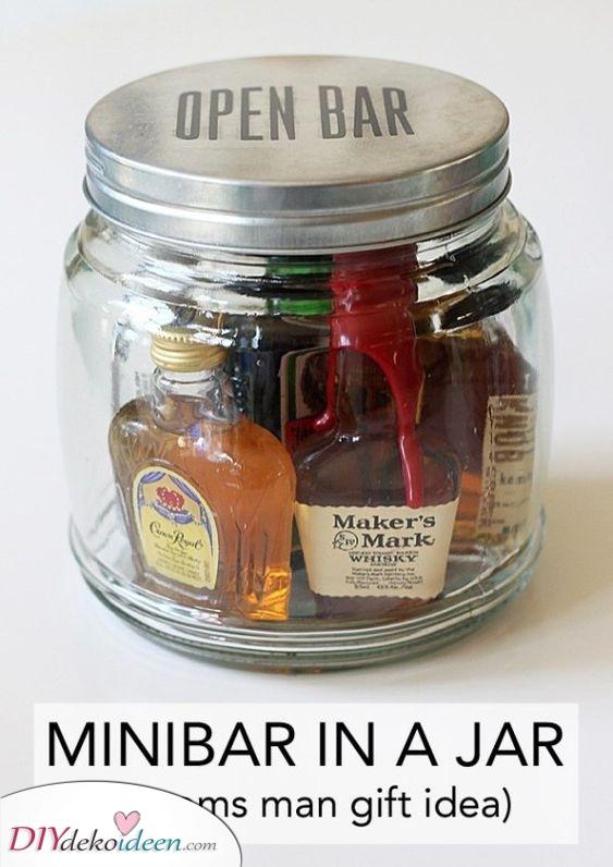 Eine Minibar im Glas – Seine Lieblingsgetränke