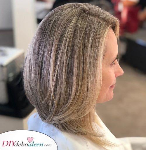 Einzigartig Geschichtet – Halblange Frisuren ab 50