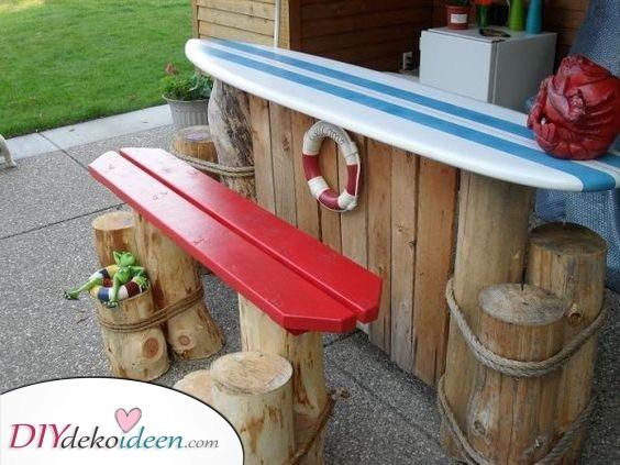 Wie am Strand – Ein Surfbrett Tisch