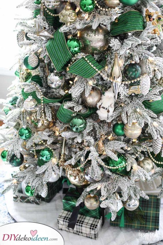 Silber und Grün – Weihnachtsbaum Dekoration